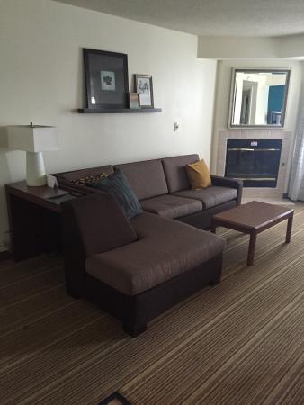 Residence Inn New Orleans Metairie: Nice living area.