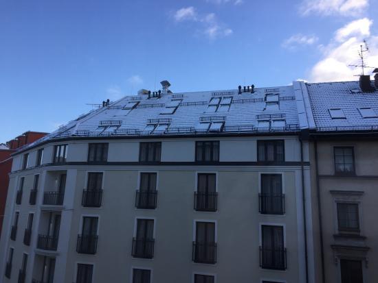 Ibis München City: Vista da janela para a rua