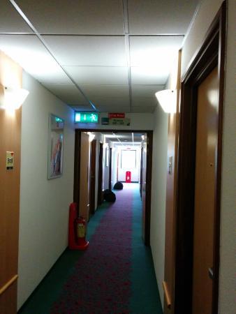 Ibis Dublin: Hotel Corridor