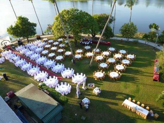 Society Wedding on the lawns-view from d/l room - Picture ...