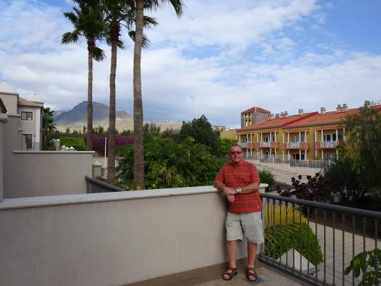 Marylanza Suites & Spa: Balcony view to mountains.
