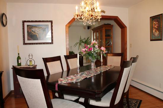 The Belsar Inn Bed & Breakfast : Dining Room