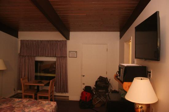 Lakeview Motel: Room #1