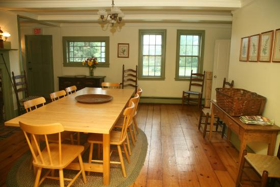 Shaker Meadows Bed and Breakfast: You can host your own gatherings here in the Farmhouse dining room