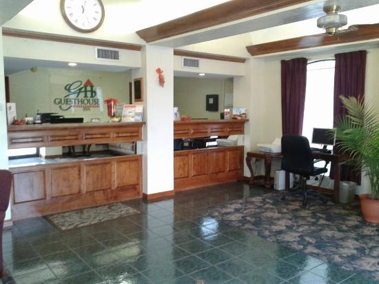 GuestHouse Inn Fort Smith: Lobby