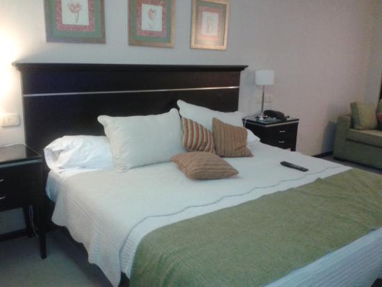 Condado Hotel Casino Goya: habitaciones amplias