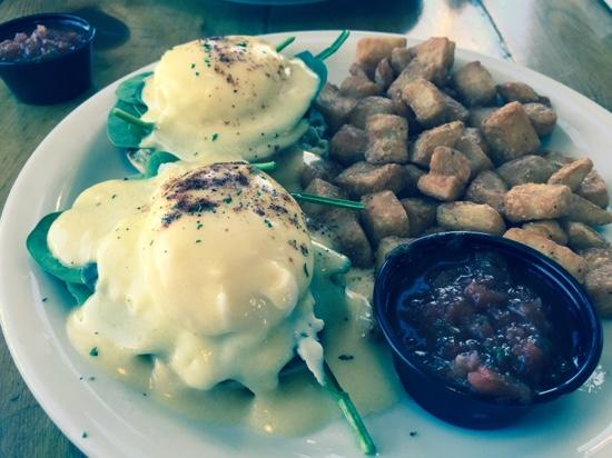 The Bridge Cafe and Grill: Wife's Benedict