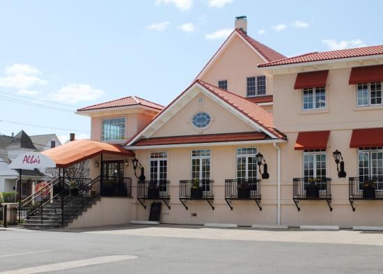 Alba's Restaurant: Albas exterior