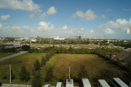 Hyatt Place Ft. Lauderdale Airport & Cruise Port: vISTA DO QUARTO
