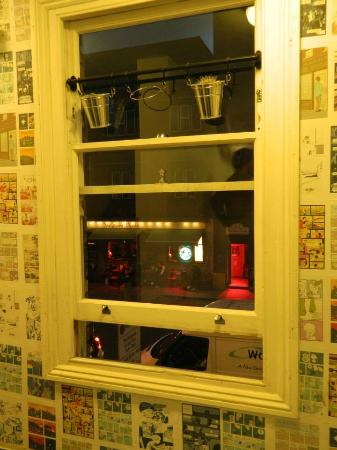 The Dictionary Hostel: En los pasillos del hostel