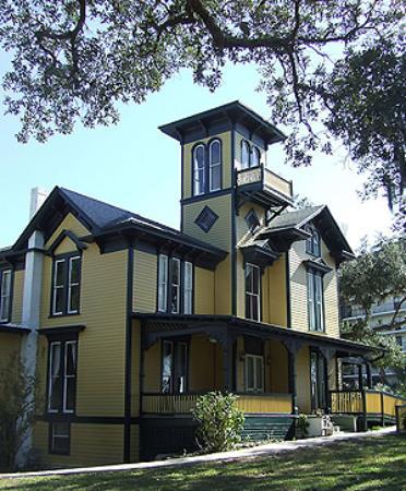 Lilian Place Historic House: Lilian Place