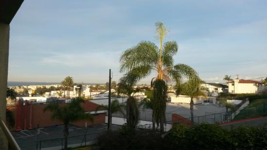Quality Inn & Suites Hermosa Beach: Morning view from room