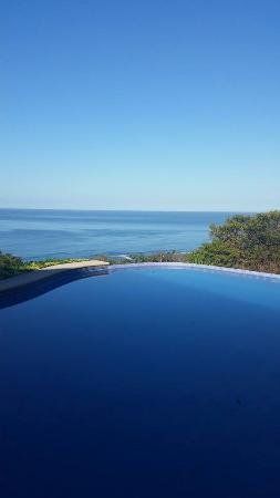 Hotel Vista de Olas: View from the pool