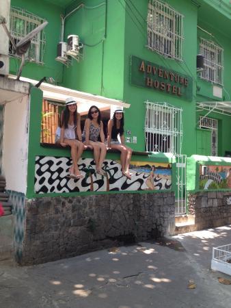 Adventure House: Meninas do quarto F