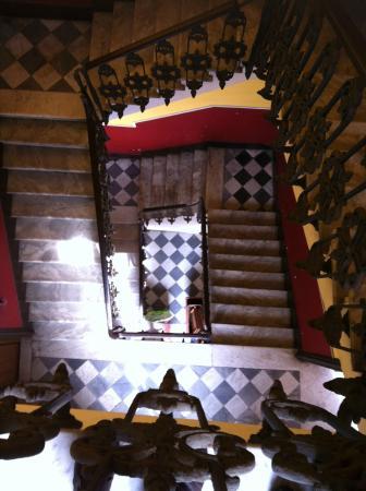 B&B De Curtis: Cage d'escalier …