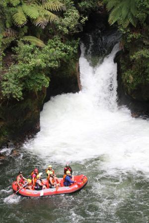 Raftabout Rotorua : Kaituna Waterfall | Grade 5