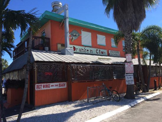 ‪The Drunken Clam Bar & Grille‬