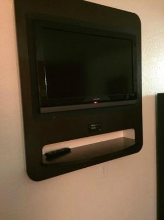 Motel 6 Oroville: Flat screen TV with HBO in room