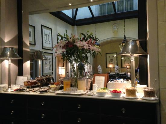 JK Place Firenze: breakfast spread