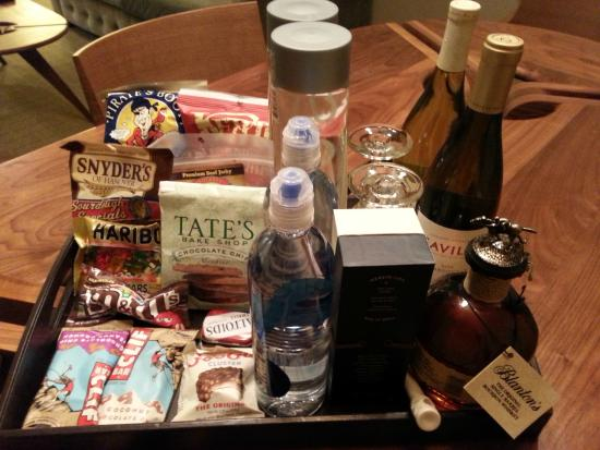 The Oliver Hotel: mini-bar