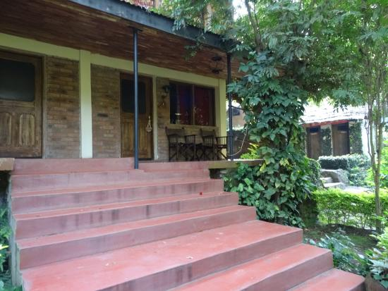 Moyoni Lodge : chambre vue extérieure