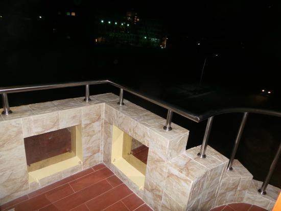 Transit Inn: balcony