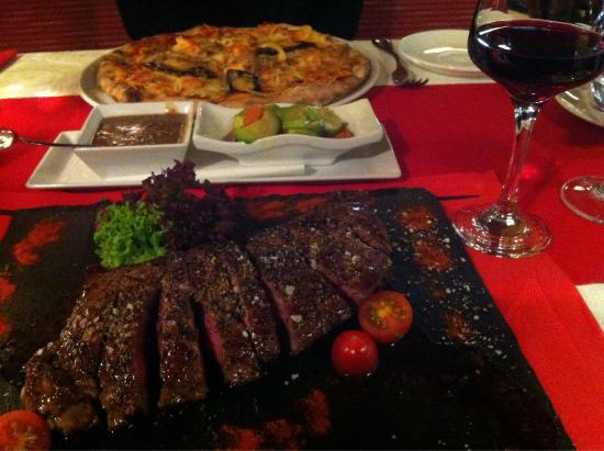 Restaurant Marco Polo: Look at this fantastic presentation! This is the Angus meet, and my husband really enjoys this:)