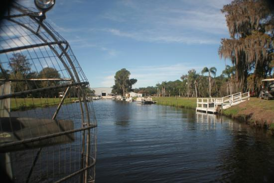 Lake Placid, FL: Leaving the marina at Bullfrog Airboats