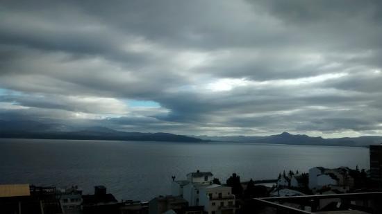 Hostel Inn Bariloche: Vista para o lago