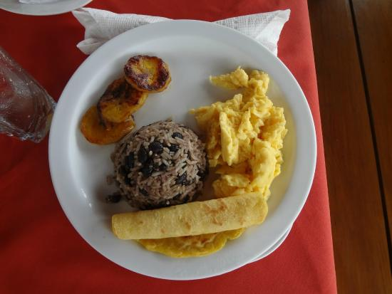 La Cascada Bed and Breakfast: Frühstück