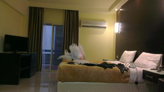 Panorama Hotel Bur Dubai: Room with balcony