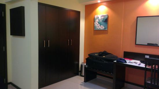 فندق بانوراما بور دبي: Closet etc