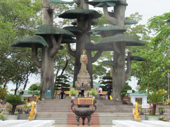 The Shrine of Our Lady of La Vang: the Marion Grotto / Shrine