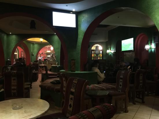 Cafe Maure : Inside