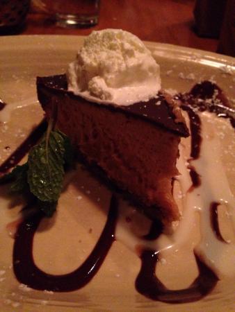 BRAVO! Italian Restaurant & Bar : Chocolate Peanut Butter Pie