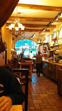 Pavz Creperie: Inside of Pavz Restaurant