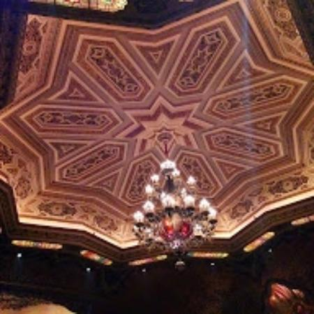 Ohio Theater: The ceiling and chandelier of this gorgeous old theater
