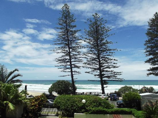 Coolum Beach, Australia: Balcony view 2