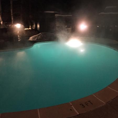 Molly Gibson Lodge: Piscina aquecida do hotel Molly Gibson