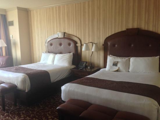 Argosy Casino Hotel & Spa Kansas City: nice room and comfy beds