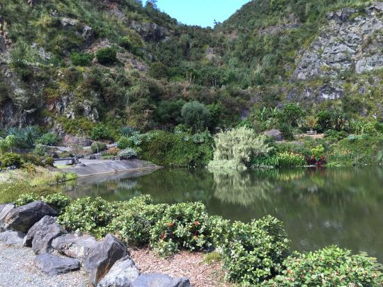 Whangarei, New Zealand: Lake in the gardens