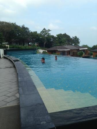 KC Resort & Over Water Villas: Pool with a view