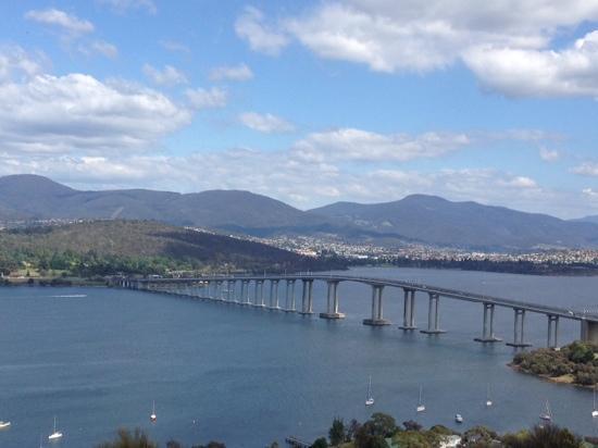 Tasman Bridge: タスマニアンブリッジ①