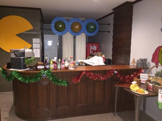 Karon Living Room : Барная стойка