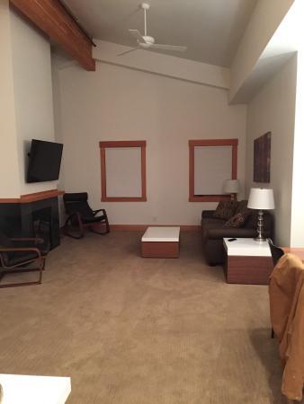 Front Street Suites
