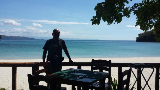 Dakak Park & Beach Resort: At the restaurant facing the beach