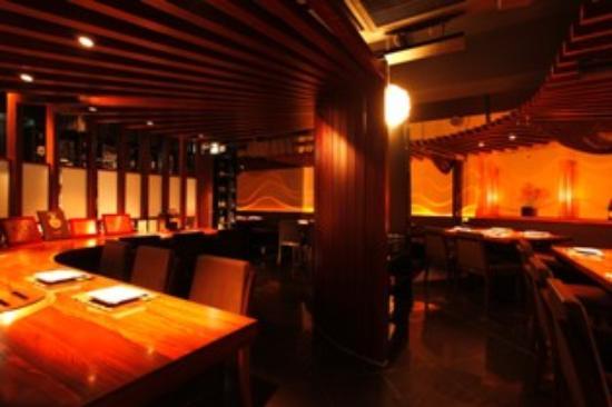 Charcoal cuisine Kobe beef Ikuta: ホール