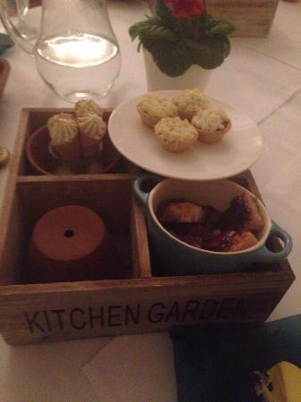 Kingston Bagpuize, UK: Kitchen garden flavours- pork belly, Venison pies and artichoke ice cream