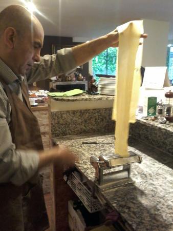 Tabernes de Valldigna, Spanyol: haciendo la pasta