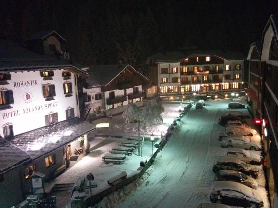 Hotel Dufour : View from 3rd floor - Comfort Room - Midnight - Jan 2015